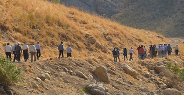 Lice'de gözaltına alınan 75 canlı kalkan Diyarbakır'a getiriliyor