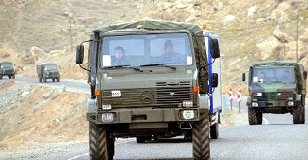 Mardin'de askeri aracın geçişi sırasında patlama: 2 asker hayatını kaybetti