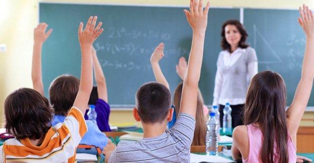 """MEB'den 1 milyon öğretmene """"diplomanızı getirin"""" çağrısı"""