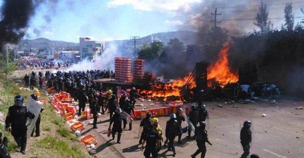 Meksika'da öğretmenler protestosu: 6 kişi yaşamını yitirdi