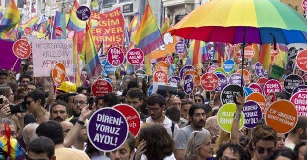 Onur Yürüyüşü İzmir'de de yasaklandı