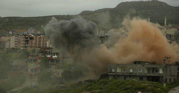"""""""Operasyonun bittiği"""" açıklanan Şırnak'ta yıkım devam ediyor"""