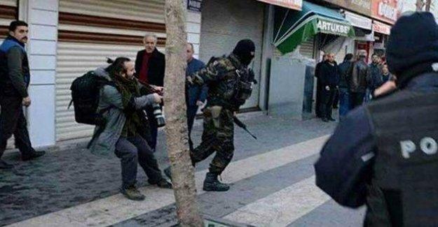 Sur'da gözaltına alınan gazeteci Mürsel Çoban serbest bırakıldı