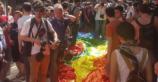 Trans Onur Yürüyüşü'ne polis saldırısı