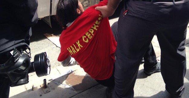 'Yürüyüş Dergisi Muhabiri Ebru Yeşilırmak polis tarafından vuruldu'