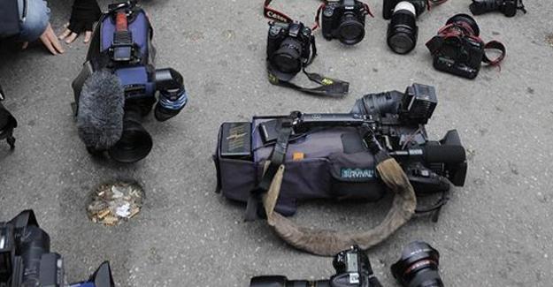 Adana'da 5 gazeteci gözaltına alındı