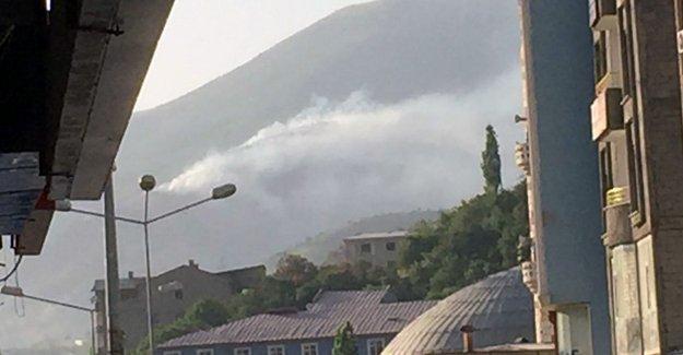 Askeri operasyonun sürdüğü Şemdinli'de orman yangını
