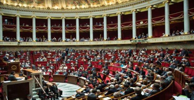 Fransa Meclisi Ermeni Soykırımı'nın inkârını cezalandıran yasayı onayladı