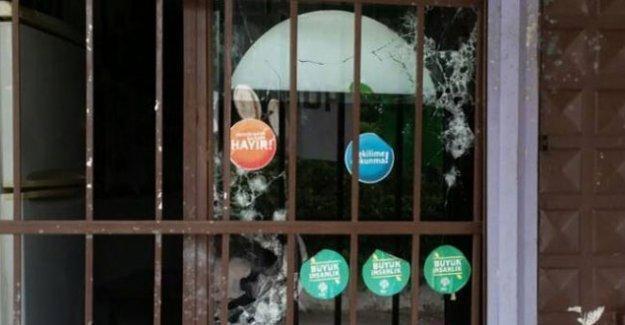 İskenderun'da da HDP binasına silahlı saldırı