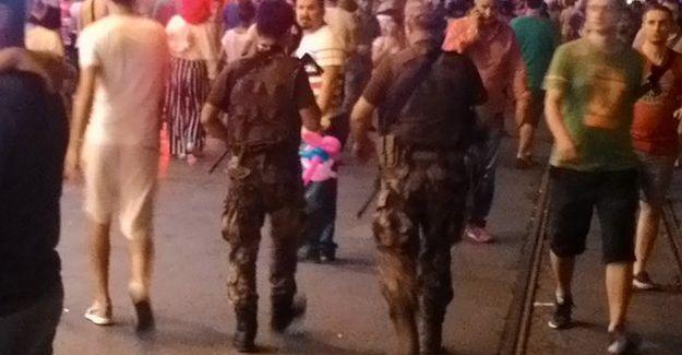 İstiklal'de de özel harekâtçılar devriye geziyor!
