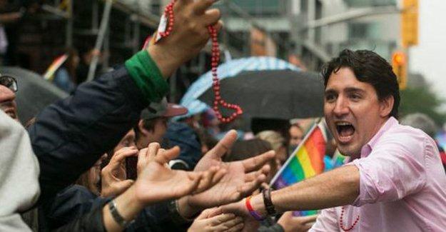 Kanada Başbakanı Justin Trudeau onur yürüyüşüne katıldı