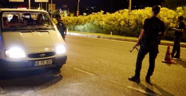 Marmaris'te aranan askerlerden 7'si daha yakalandı