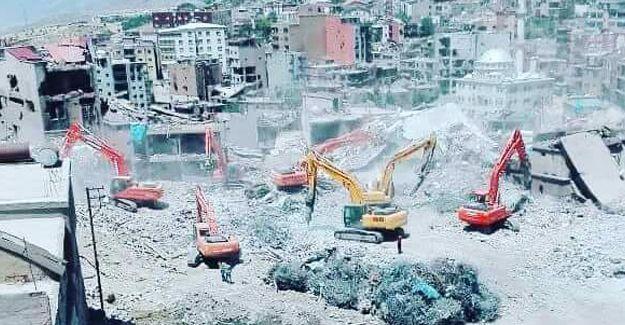 Yasağın sürdüğü Şırnak'ta yıkımın fotoğrafı