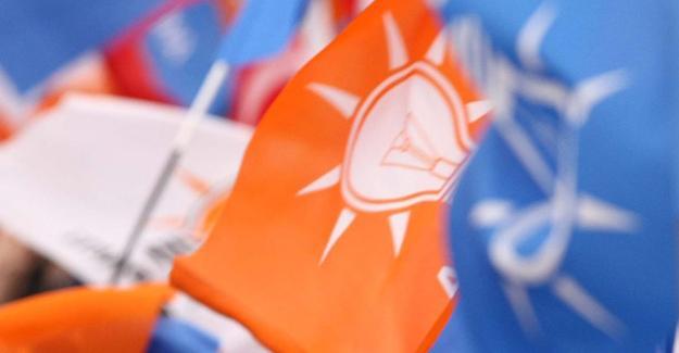 AKP'li dört belediye başkanı partiden ihraç edildi