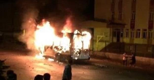 Bayburt'ta Kürt öğrencileri taşıyan servis saldırıya uğradı