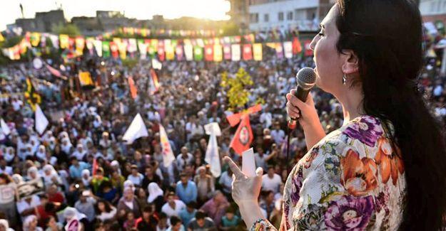 """""""Saray'da yan yana duranların hiçbiri Türkiye'de alternatif bir demokrasi üretemez"""""""