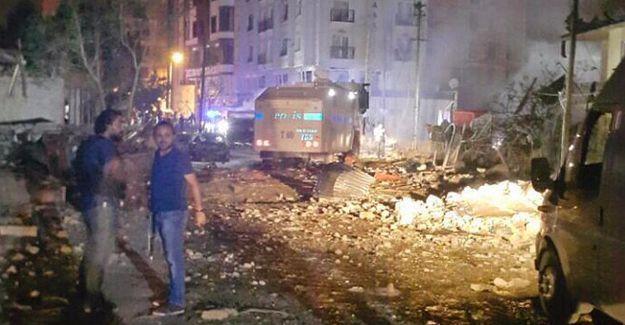 2 Nisan Polis Merkezi'ne bombalı araçla saldırı