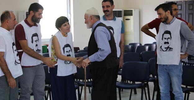Diyarbakır'daki açlık grevinde sanatçılar da var