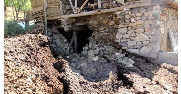 Erzincan'da heyelan: 24 ev boşaltıldı