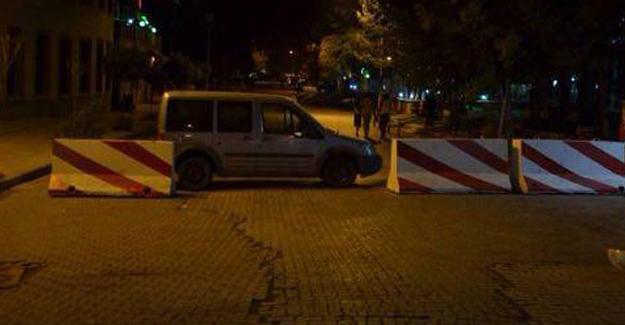 Kayyum atandığı iddia edilen Bulanık Belediyesi'ne beton bariyer!