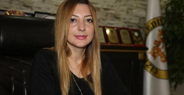 Görevden alınan Cizre Belediye Eş Başkanı Leyla İmret hakim karşısına çıktı