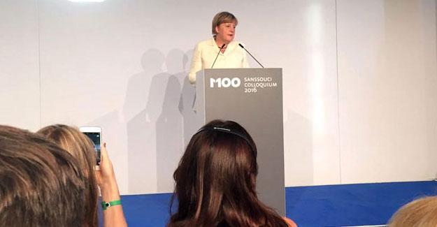 Merkel'den Türkiye'ye: Basın özgürlüğü yolsuzlukları da yazabilmektir