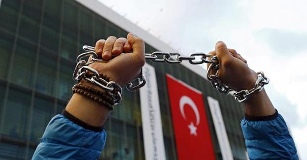 RSF: Türkiye'de gazetecilere baskı had safhada