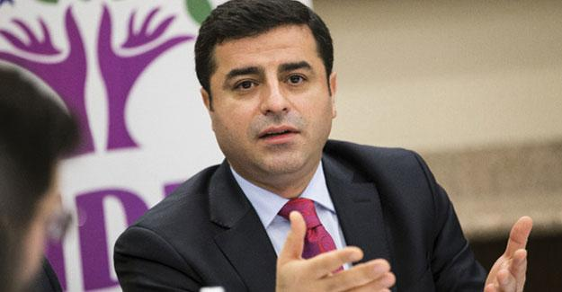 Demirtaş DW'nin sorularını yanıtladı: Hükümet tam bir karartma uyguluyor Kürt halkına