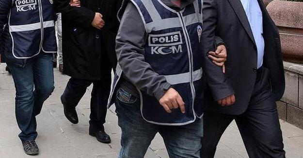 Ege Üniversitesi'nde 'FETÖ' operasyonu: 11 akademisyen gözaltına alındı