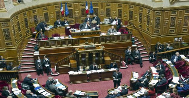 Fransa Senatosu Ermeni Soykırımı'nın inkârını cezalandıran yasayı onayladı