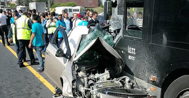 İstanbul'da otomobil metrobüs yoluna girdi