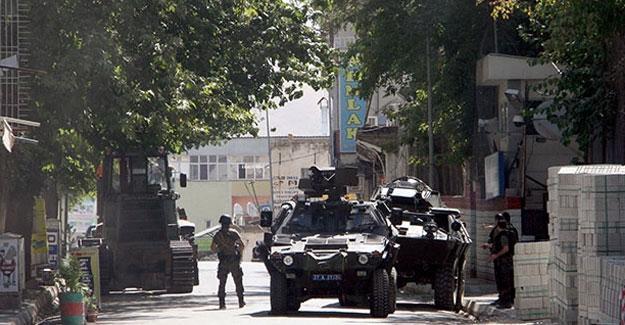 Yüksekova'da zırhlı araçtan ateş açıldı, Pervin Buldan'ın yeğeni dahil 4 kişi hayatını kaybetti