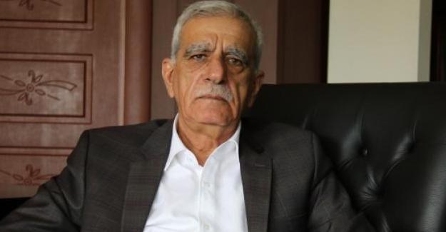 """""""AKP, 'Başkanlık' referandumu öncesi yol temizliği yapıyor"""""""