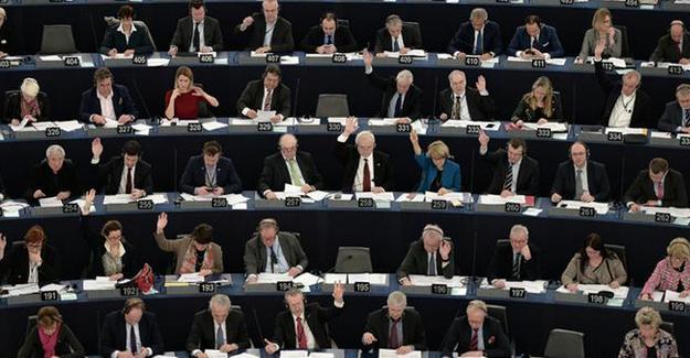 Avrupa Parlamentosu Türkiye'yi tartışıyor