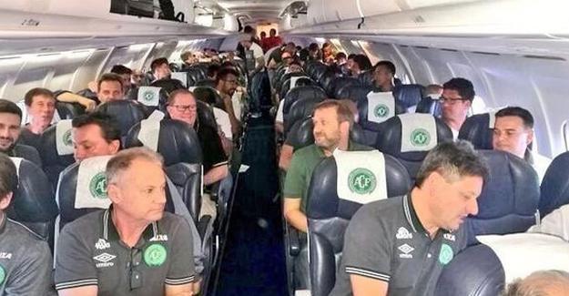 Brezilyalı futbolcuları taşıyan uçak düştü: 76 kişi hayatını kaybetti