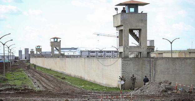 Diyarbakır cezaevinde firar