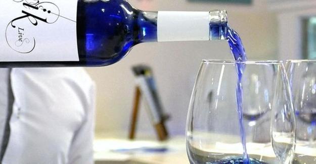 Dünyanın ilk mavi şarabı