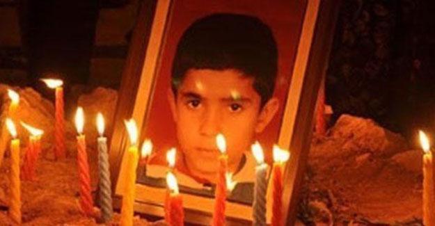 13 kurşunla katledilen Uğur Kaymaz'ın annesi KHK ile işten çıkarıldı