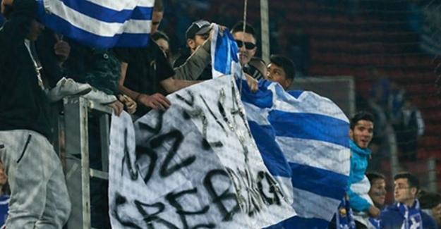 Yunanistan'dan Bosna Hersek'e ırkçı pankart özrü