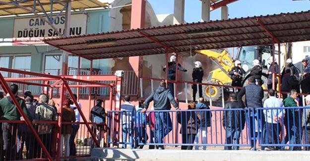 Cemevine ait salonun CHP'li belediye tarafından yıkılması genel merkeze taşınıyor