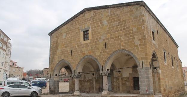Ermeni kilisesi çocuk kütüphanesine çevrilecek