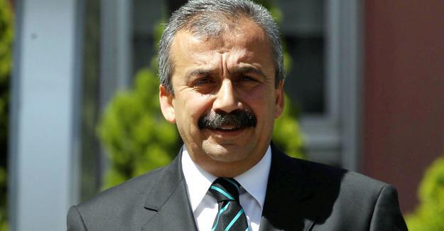 Hakkında 40 yıl hapis istenen HDP'li Sırrı Süreyya'dan açıklama