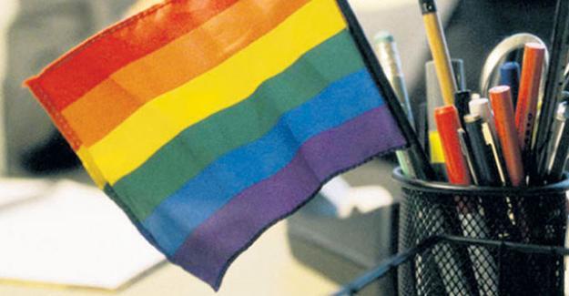 Mobbinge maruz kalan eşcinsel çalışan firmaya dava açtı
