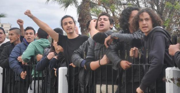 Kıbrıs'ta öğrencilerin ileri saat isyanı: Karanlıkta okula gidilmez