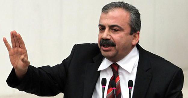 Sırrı Süreyya: Davutoğlu 'Rojava kırmızı çizgimiz değil' dedi