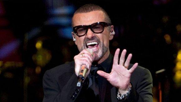 Ünlü şarkıcı George Michael hayatını kaybetti