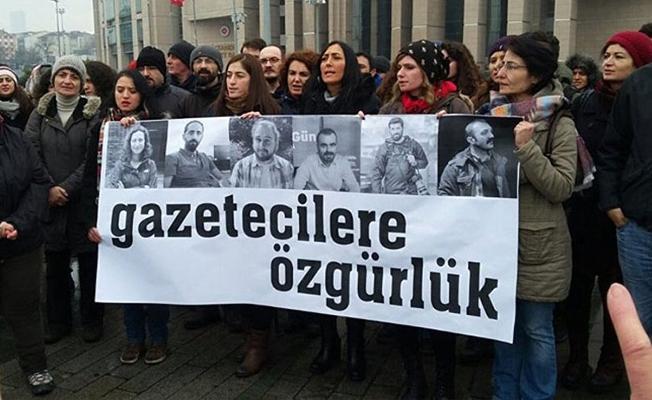 Gözaltında bulunan 6 gazeteciden 3'ü tutuklandı