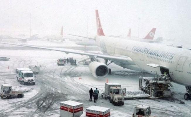 Atatürk Havalimanı'ndan tüm iç hat seferleri iptal