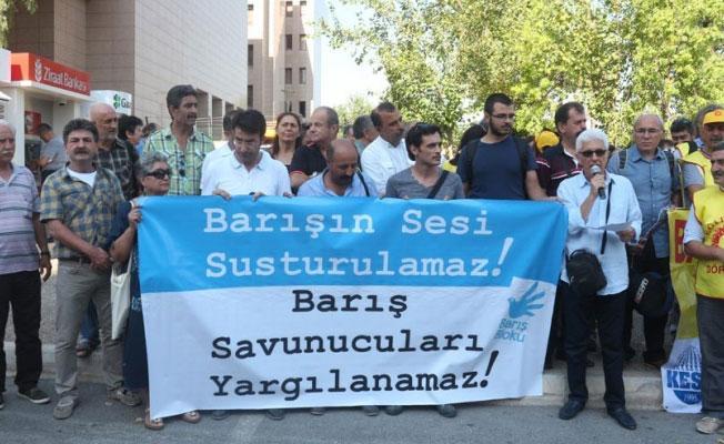 Barış Bloku üyeleri beraat etti