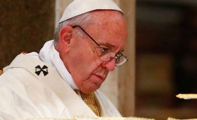 Papa'dan 'Hitler' uyarısı: Kendi halkını yok etti